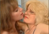 Daughter seduces her mother in the bathroom to lesbian sex